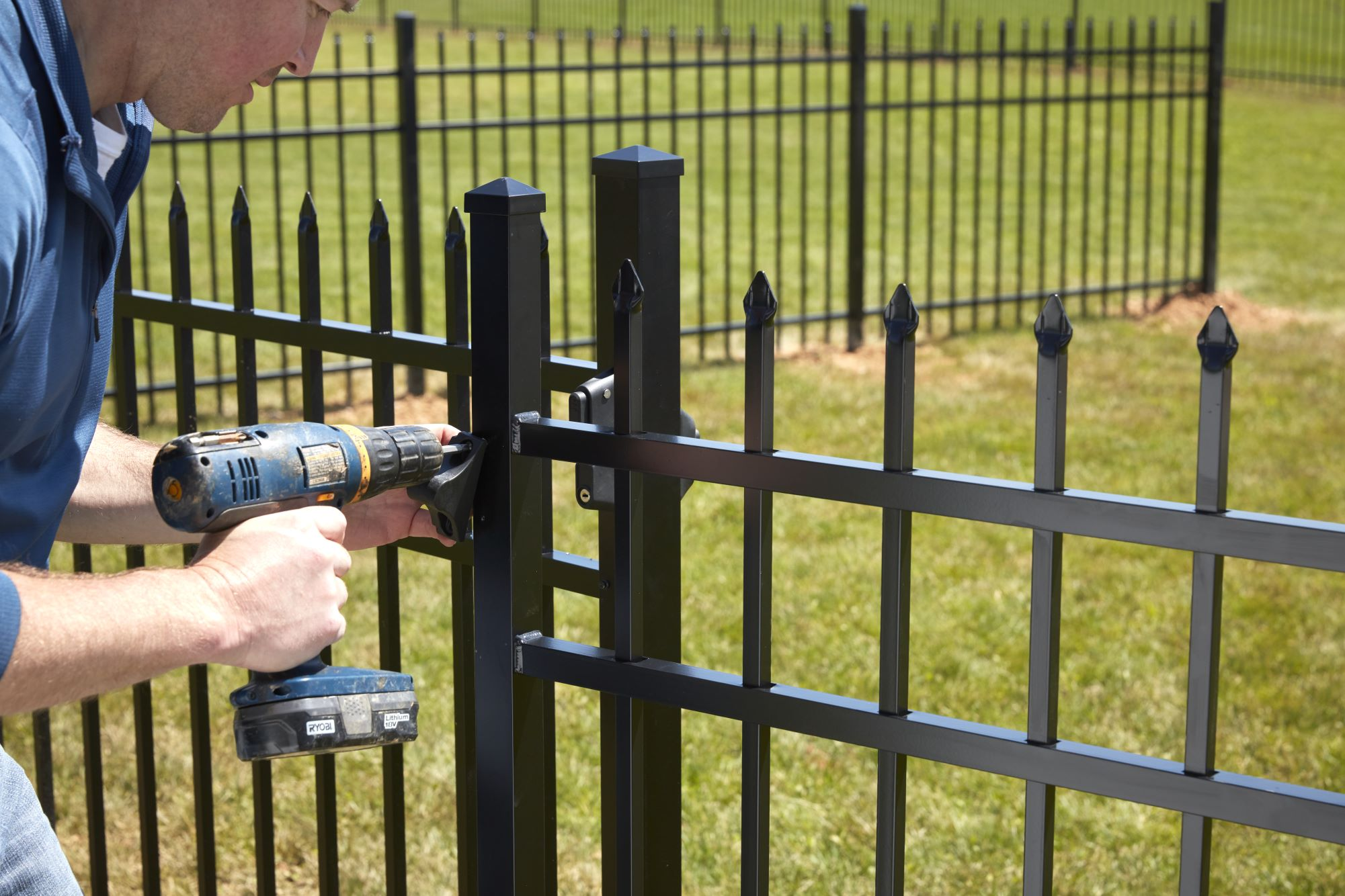 find a guy to install your fence