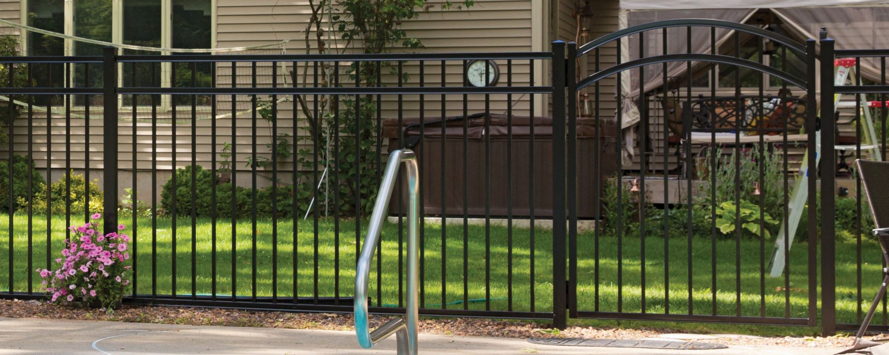 Granite Drop Rail Aluminum Fence